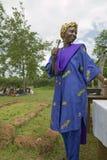 Sarah Kilemi, esposa do membro Kilemi Mwiria do parlamento, fala às mulheres sem as mulheres dos maridos que foram condenadas ao  Imagens de Stock
