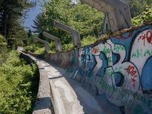 Sarajevo a abandonné le traîneau olympique de plomb images libres de droits