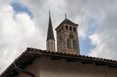 Sarajevo, Bośnia i Herzegovina, Bascarsija, Zegarowy wierza, Sarajevska Sahat Kula, Gazi Błagamy meczet, linia horyzontu zdjęcia stock