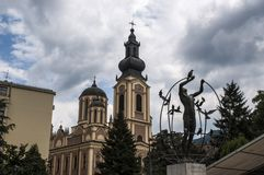 Sarajevo, Bosnia y Herzegovina, hombre multicultural construye el mundo, horizonte, catedral de la natividad del Theotokos, parqu foto de archivo libre de regalías