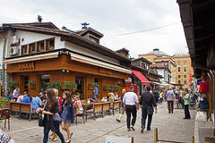 Sarajevo-Straßen-Café Stockfotos