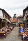 Sarajevo-Straßen-Restaurants Stockfotos
