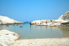 Sarakinikostrand op Milos Island in Griekenland royalty-vrije stock foto's