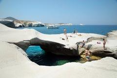 Sarakinikostrand op Milos Island in Griekenland royalty-vrije stock fotografie