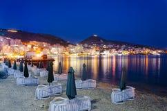 Saranda,阿尔巴尼亚夜光  免版税库存照片