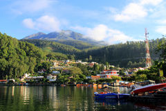 Sarangan jezioro w ranku Obraz Royalty Free