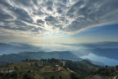 从Sarangkot,尼泊尔,亚洲的Pokhara视图 图库摄影