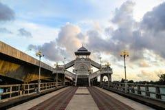 Sarasin桥梁观点, Phang Nga 免版税库存照片