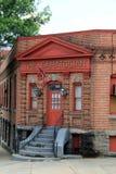 Saratogian报纸找出的老砖瓦房,萨拉托加斯普林斯,纽约, 2015年 库存图片