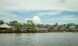 Sarawak Kuching vattenfestival, en regatta med barkasser Arkivbilder