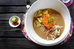 Sarawak Laksa - populär etnisk maträtt arkivbild