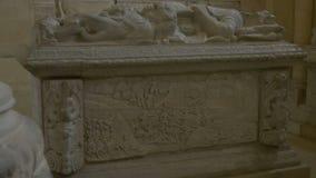 Sarcófago de piedra medieval metrajes