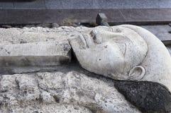 Sarcófago en el territorio del museo Fotografía de archivo libre de regalías