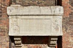 Sarcófago medieval antigo em Veneza foto de stock