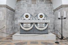 Sarcofaag van koning Frederik VIII en koningin Louise in de Kathedraal van Roskilde, Denemarken Stock Fotografie