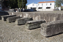 Sarcophages en pierre de taux Photo stock