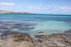 Sardinia hav i Stintino Arkivbilder