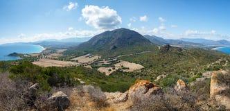 Sardinia Italien - Panorana av den Sardinia ön uppifrån av kullen Arkivfoton