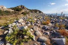 Sardinia Italien - stenig strand i den sardinia ön Royaltyfri Bild