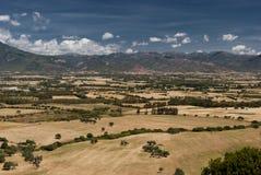 Sardinia landskap. Cixerri slätt Arkivbild