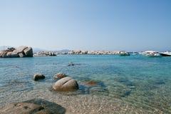 Sardinia, Włochy. Kryształ woda w morzu śródziemnomorskim Fotografia Stock