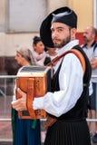 Sardinige, Italië Feest van de Verlosser, musici bij de parade van traditionele kostuums stock foto