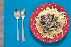 Sardynki i spaghetti Zdjęcia Royalty Free