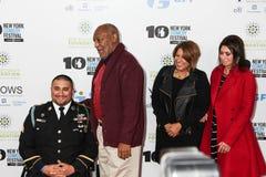 Sargento Shane Parsons, Bill Cosby, Cynthia Parsons, y Carolin fotografía de archivo libre de regalías