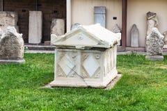 Sarkofag i Konya det arkeologiska museet Arkivfoto