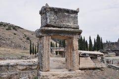Sarkophag - alte griechisch-romanische und byzantinische Stadt von Hierapolis Lizenzfreie Stockfotos