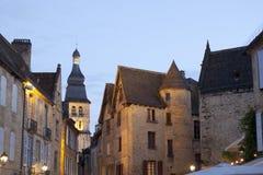 Sarlatla Caneda en zijn klokketoren in Frankrijk stock foto