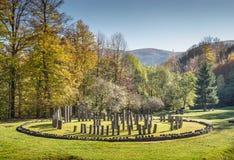 Sarmizegetusa Regia - santuario antico 3 di legno e della roccia Immagini Stock