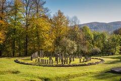 Sarmizegetusa Regia - santuario antico 6 di legno e della roccia Immagine Stock Libera da Diritti
