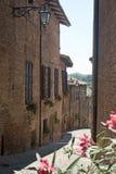Sarnano (Märze, Italien) - alte Straße Stockfotografie