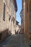 Sarnano (Macerata, Marsen, Italië) - Oude straat stock afbeeldingen
