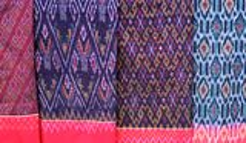 Sarongs da variedade para a venda Imagem de Stock