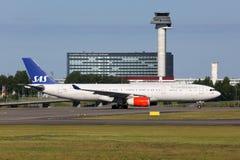 SAS skandinavisk flygbolagflygbuss A330-300 Arkivfoton