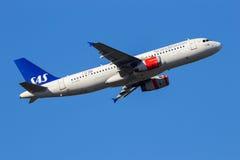 SAS skandinaviskt flygbolagBoeing 737NG flygplan arkivbild