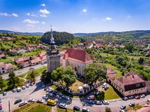 Saschiz medeltida stärkt kyrka i Transylvania, Rumänien nära royaltyfria bilder