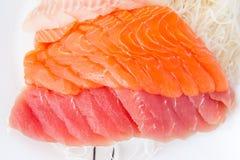 Sashimi assorti de marché de produits frais Photo libre de droits