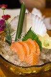 Sashimi de color salmón delicioso en placa hermosa fotografía de archivo
