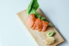 Sashimi di color salmone fresco fotografie stock libere da diritti