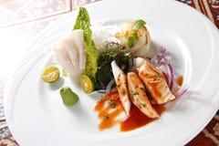 Sashimi e peixes cortados Fotos de Stock