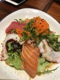 Sashimi sałatka zdjęcia stock