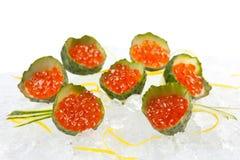 Sashimi tradicional del sushi en un fondo blanco Fotografía de archivo libre de regalías