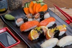 Sashimi y rodillos Imágenes de archivo libres de regalías