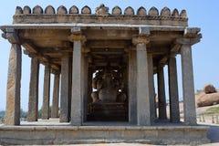 Sasivekalu Ganesh, semilla de mostaza Ganesha Colina meridional de la colina de Hemakuta, Hampi Fotos de archivo
