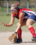 saskatoon för fastpitchflickadvärgliknande person shortstop Royaltyfri Foto