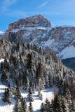 Sass Pordoi & x28; in Sella Group& x29; met sneeuw in het Italiaanse Dolomiet Royalty-vrije Stock Afbeelding