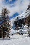 Sasso della克罗齐-在Sasso della克罗齐小组在意大利白云岩,特伦托自治省, Ita下的Ospizio三塔Croce -基耶萨三塔Croce 库存图片